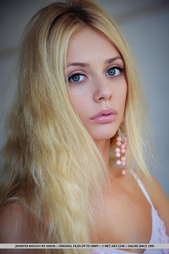 【外人】美人過ぎるにも程があるジェニファー·マッケイ(Jennifer Mackay)の美しいブロンドヘアとパイパンまんこのポルノ画像 326