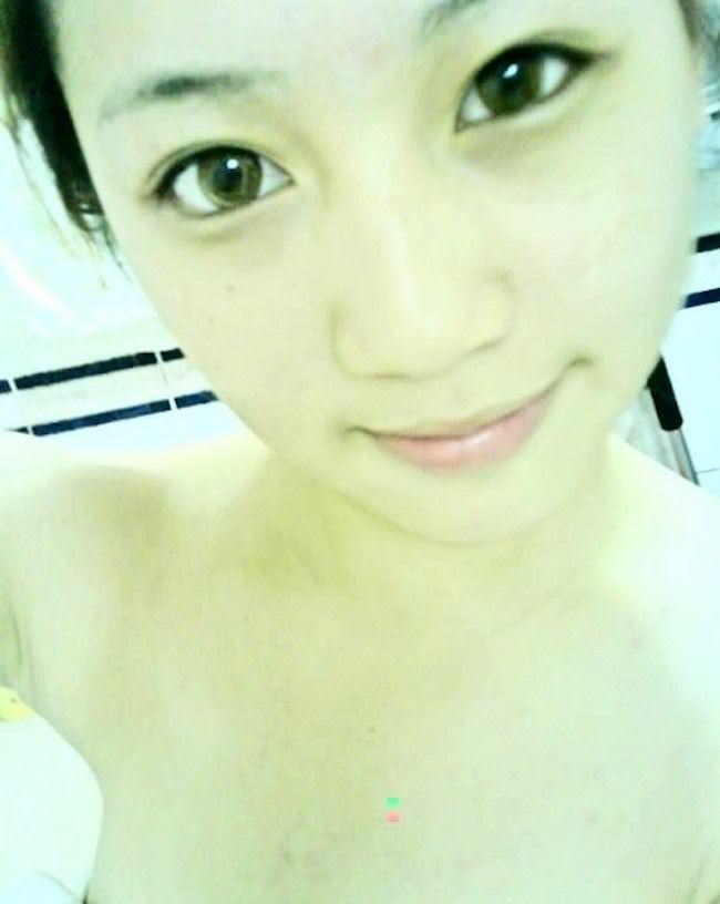 【外人】中国人の激カワ女子大生がおまんこ接写で自画撮りしてるポルノ画像 3280