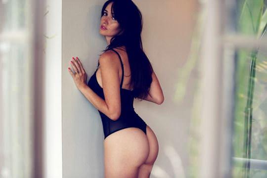 【外人】沈黙の聖戦の娘役サラ・マラクル・レイン(Sara Malakul Lane)の美乳おっぱいポルノ画像 3293