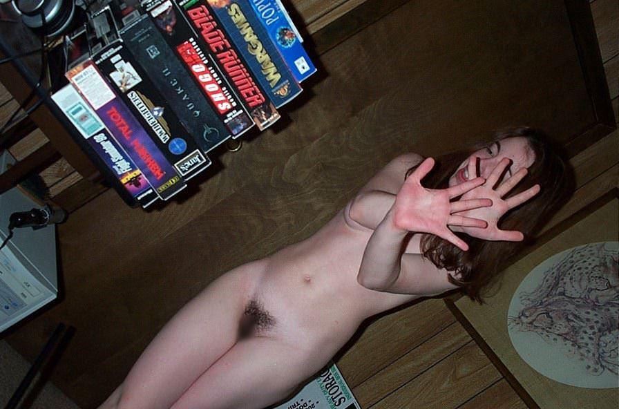 【外人】エロの興奮をいつまでも味わいたい人妻や彼女の家庭内ショットのポルノ画像 3298