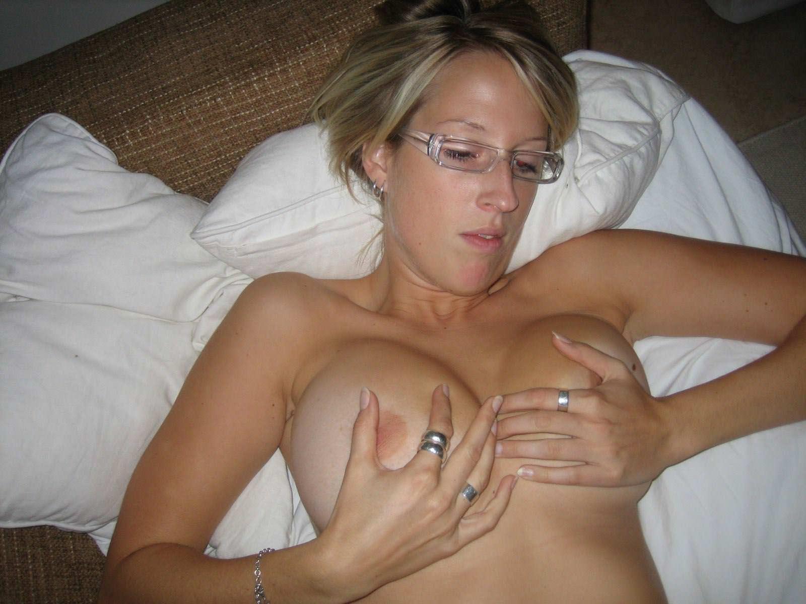 【外人】スウェーデンの金髪素人美女が彼氏とエッチして妊娠した姿を晒すポルノ画像 3326