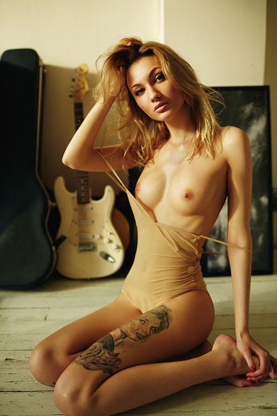 【外人】ファッションモデルの芸術的なダイナマイトバディのポルノ画像 335