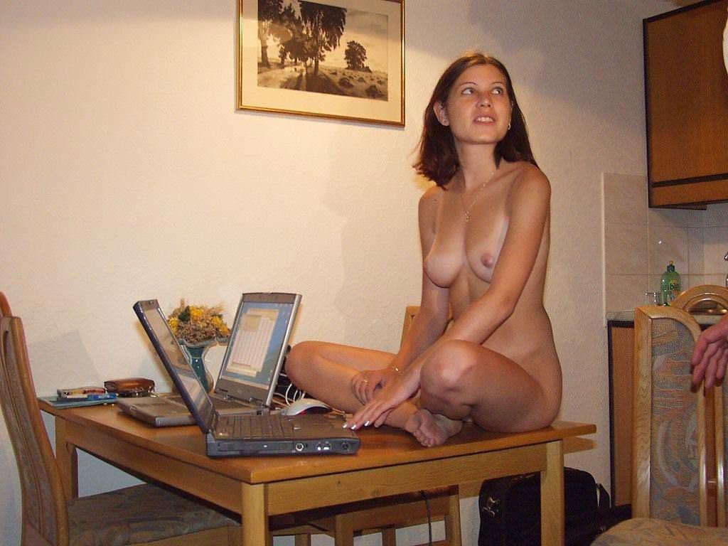 【外人】エロの興奮をいつまでも味わいたい人妻や彼女の家庭内ショットのポルノ画像 3440