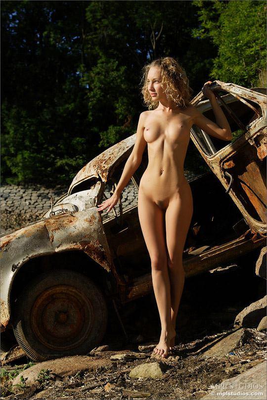 【外人】ロシアの可憐な美少女マーシャ(Masha) のフルヌードポルノ画像 349