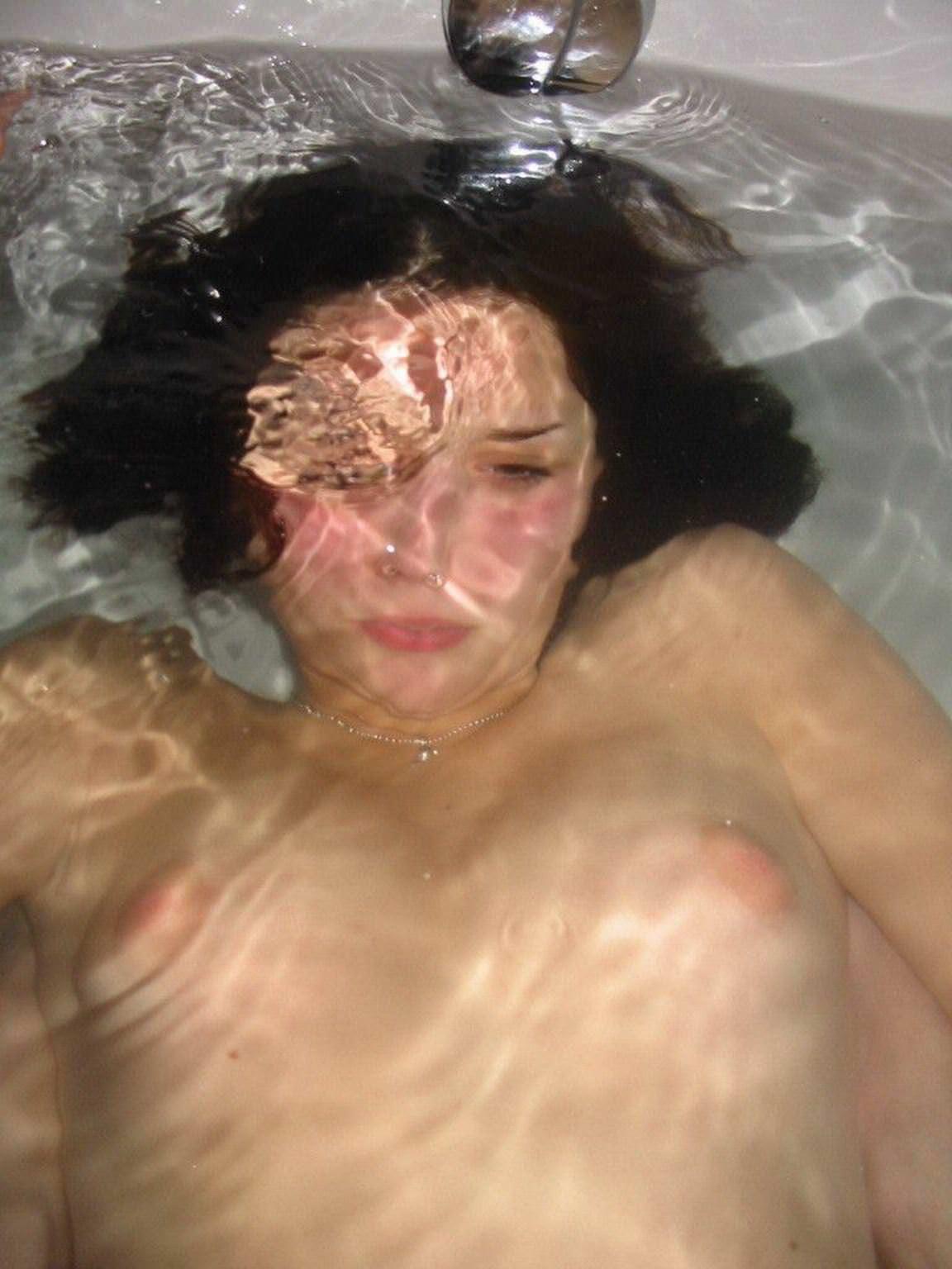 【外人】彼女にエロい格好させておっぱいとかまんこをネットにうpするポルノ画像 3656