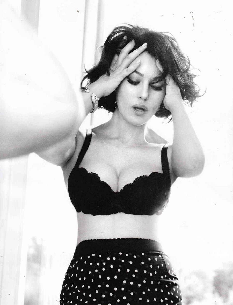 【外人】イタリア人女優モニカ・ベルッチ(Monica Bellucci)の大胆おっぱい露出ポルノ画像 406