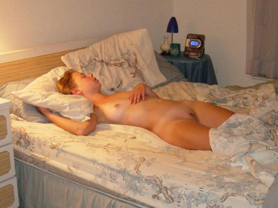 【外人】セックスして膣がお疲れちゃんで寝てる海外美女たちのポルノ画像 41118