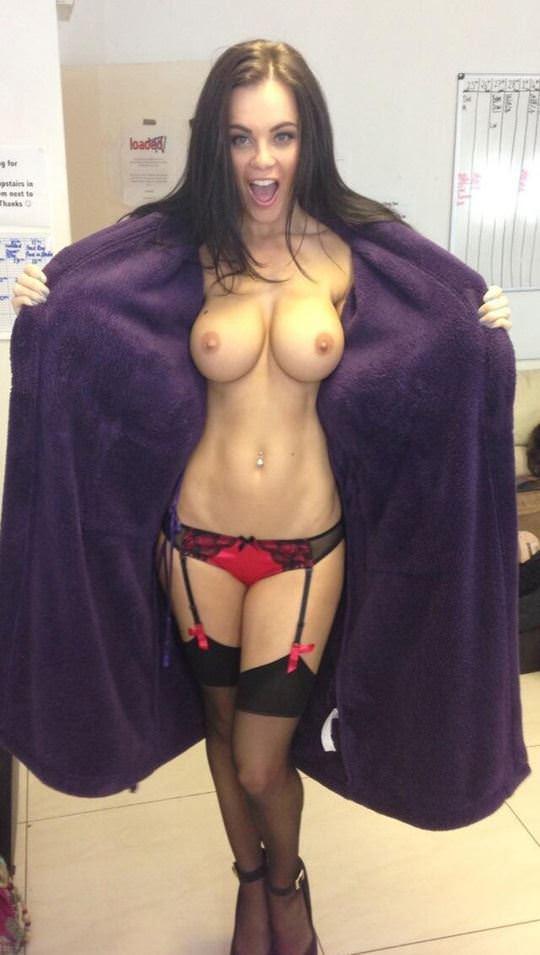 【外人】爆乳をプルンプルンさせても違和感がない海外美女のポルノ画像 4179