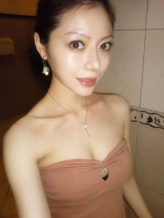 【外人】貧乳おっぱい顔の台湾出身タレント韓雨恩(ハンユン)のエロ可愛いポルノ画像 4191