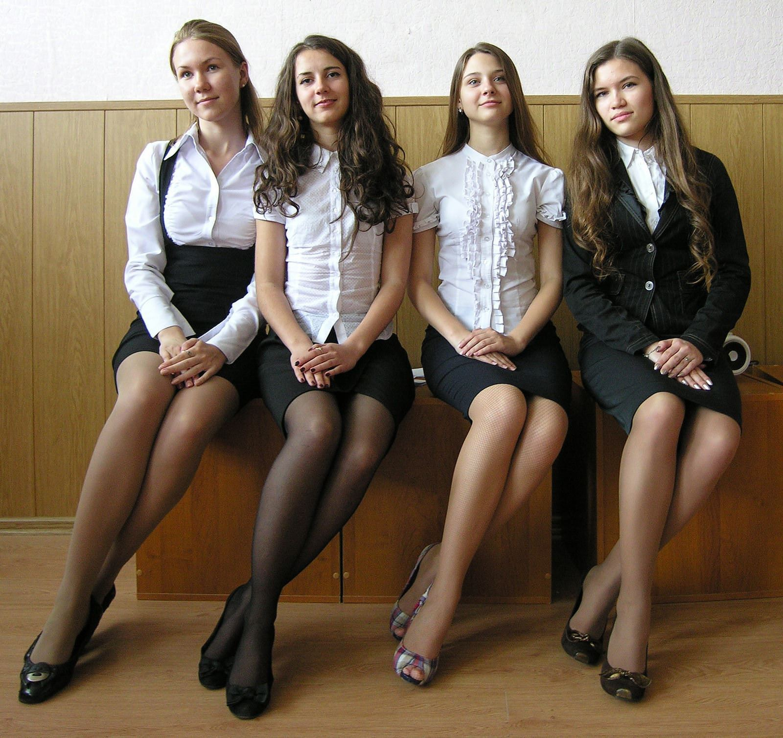 【外人】ロシア人の学生たちがめっちゃ可愛くて大人っぽい制服ポルノ画像 4227