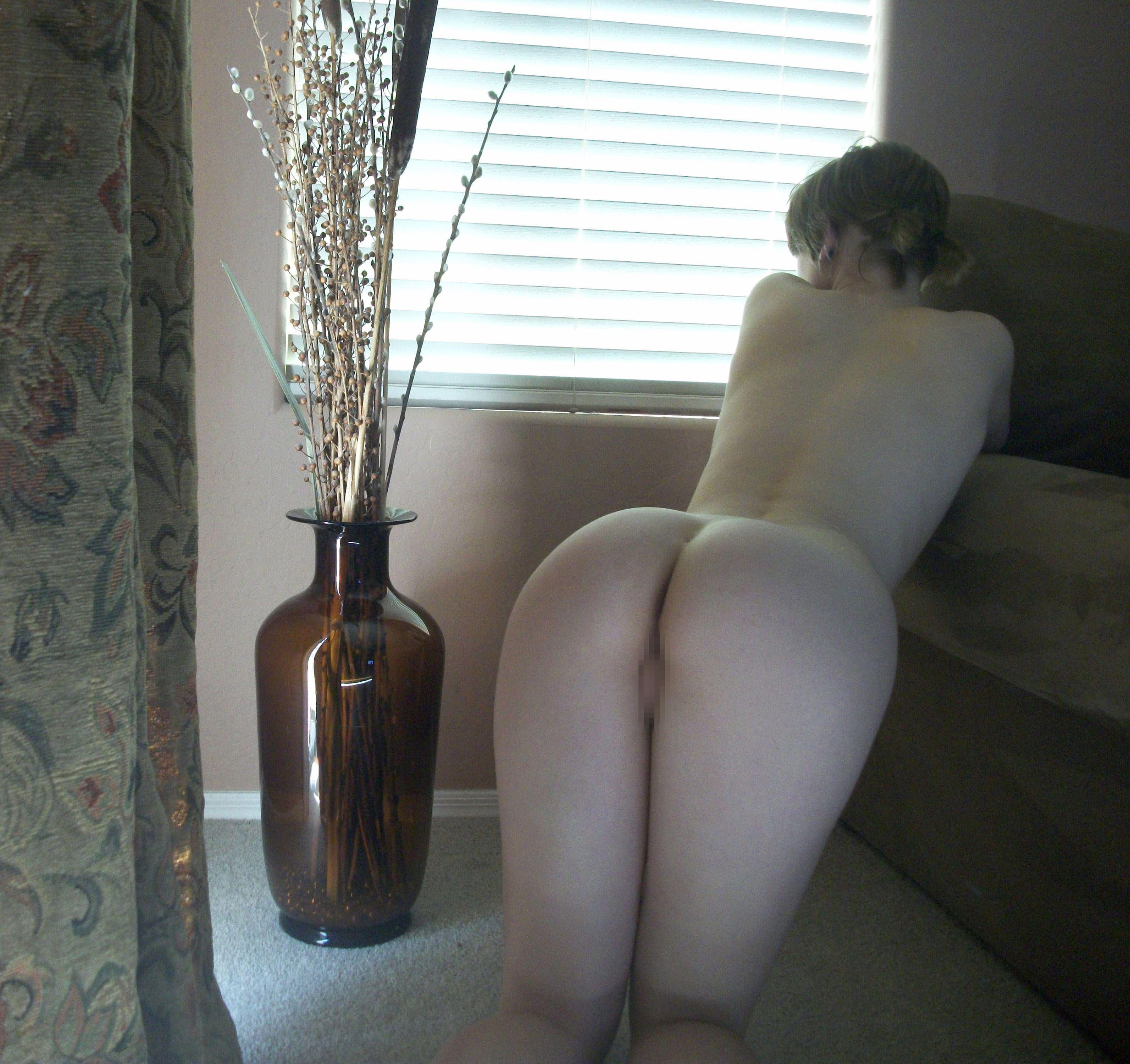 【外人】親に隠れて自宅でこっそりフルヌード自画撮りしてるポルノ画像 4229