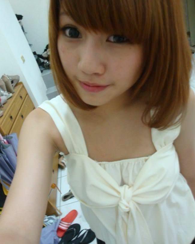 【外人】中国人の激カワ女子大生がおまんこ接写で自画撮りしてるポルノ画像 4241