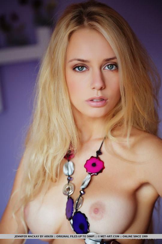 【外人】美人過ぎるにも程があるジェニファー·マッケイ(Jennifer Mackay)の美しいブロンドヘアとパイパンまんこのポルノ画像 426