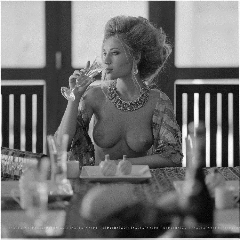 【外人】ロシアの写真家Arkady Barulin芸術的におっぱいを撮影するポルノ画像 4276