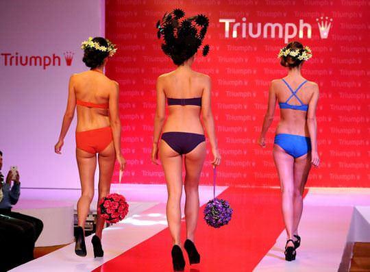 【外人】インド・ムンバイで開催されたトリンプ(Triumph)のファッションショーの下着美女ポルノ画像 433