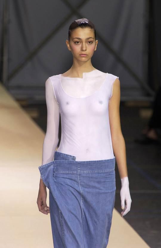 【外人】真木よう子に激似のフランス人モデルのモルガン・デュブレ(Morgane Dubled)乳首もろ出しでキャットウォークしてるポルノ画像 443