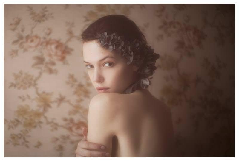 【外人】女性写真家ヴィヴィアン・モクが映し出す芸術的なセミヌードポルノ画像 470