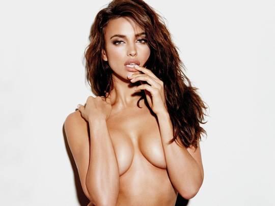 【外人】クリスティアーノ・ロナウド(Cristiano Ronaldo)のとんでもなく美人な恋人イリーナ・シェイク(Irina Shayk)の巨乳おっぱいポルノ画像 5123