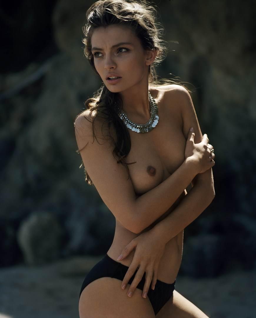 【外人】ドイツ出身モデルのカローラ・レーマー(Carola Remer)が魅惑のボディーを見せつけるセミヌードポルノ画像 5138