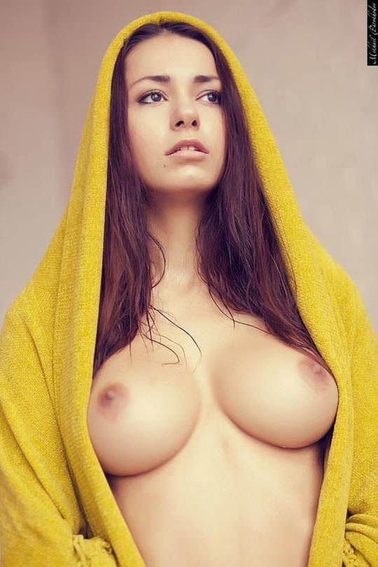 【外人】ロシア人ヌードモデルのヘルガ・ラビカティー(Helga Lovekaty)の美しすぎる巨乳おっぱいポルノ画像 5218