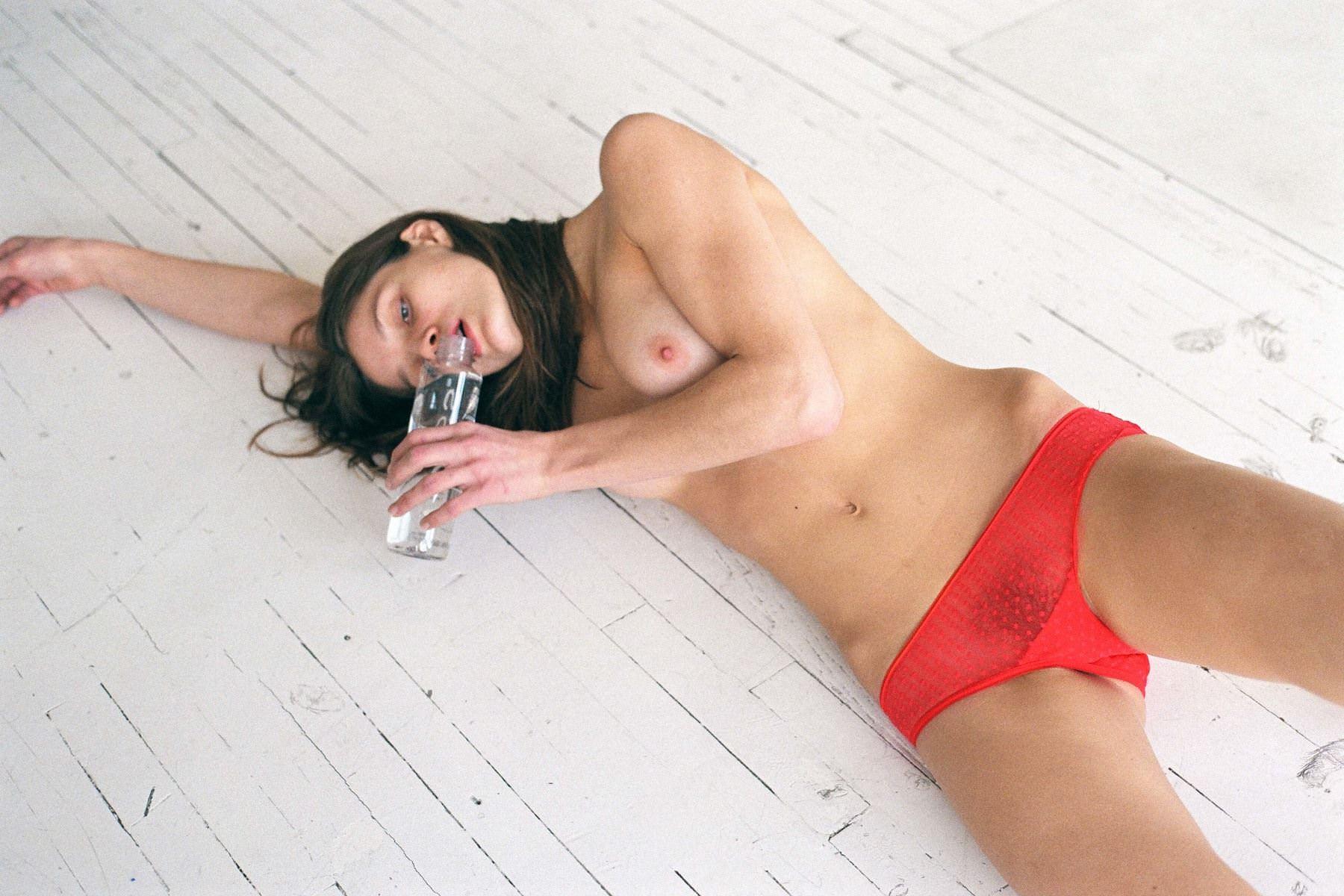 【外人】アメリカ人モデルの超絶美女リベカ・アンダーヒル(Rebekah Underhill)のフルヌードポルノ画像 5268