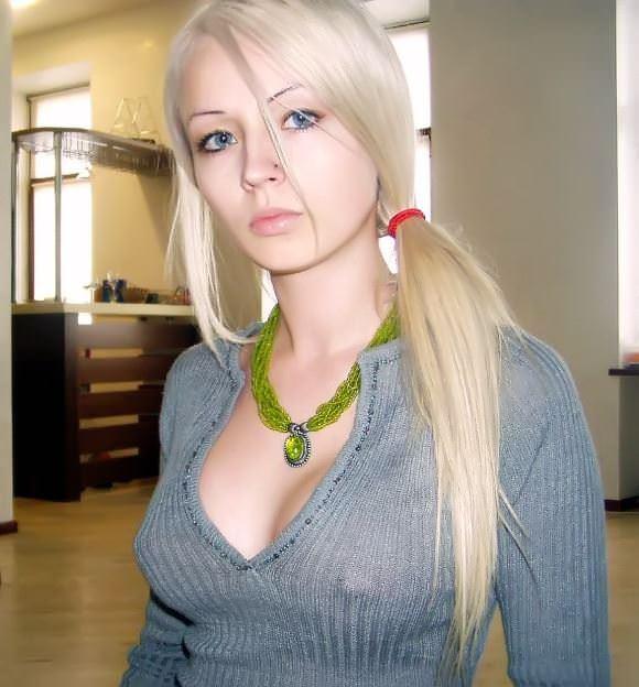 【外人】おさげやポニーテールの海外美少女が全開でおまんこ披露するやたら可愛いポルノ画像 5291