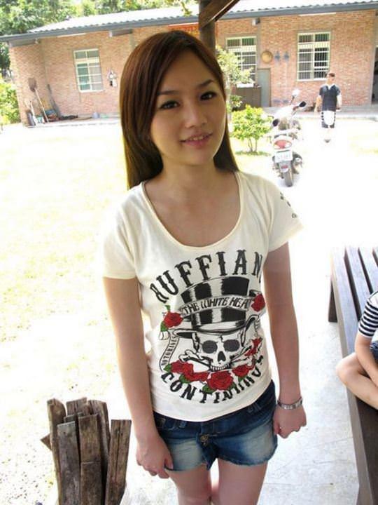 【外人】台湾美少女がカーセックスのハメ撮りネット公開してるポルノ画像 5294