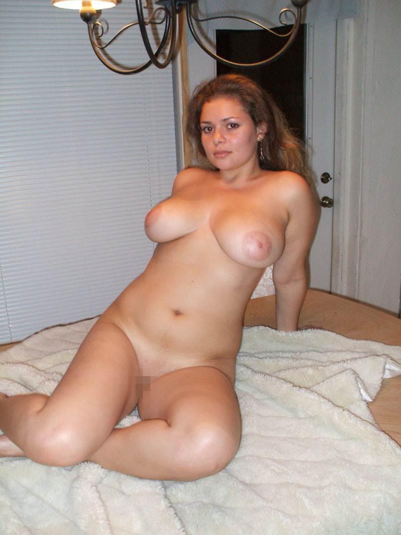 【外人】素人妻の妊婦がおっきなお腹を全裸で記念撮影してるポルノ画像 5313