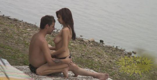 【外人】素人カップルが自然の中で青姦セクロスしてる盗撮ポルノ画像 567