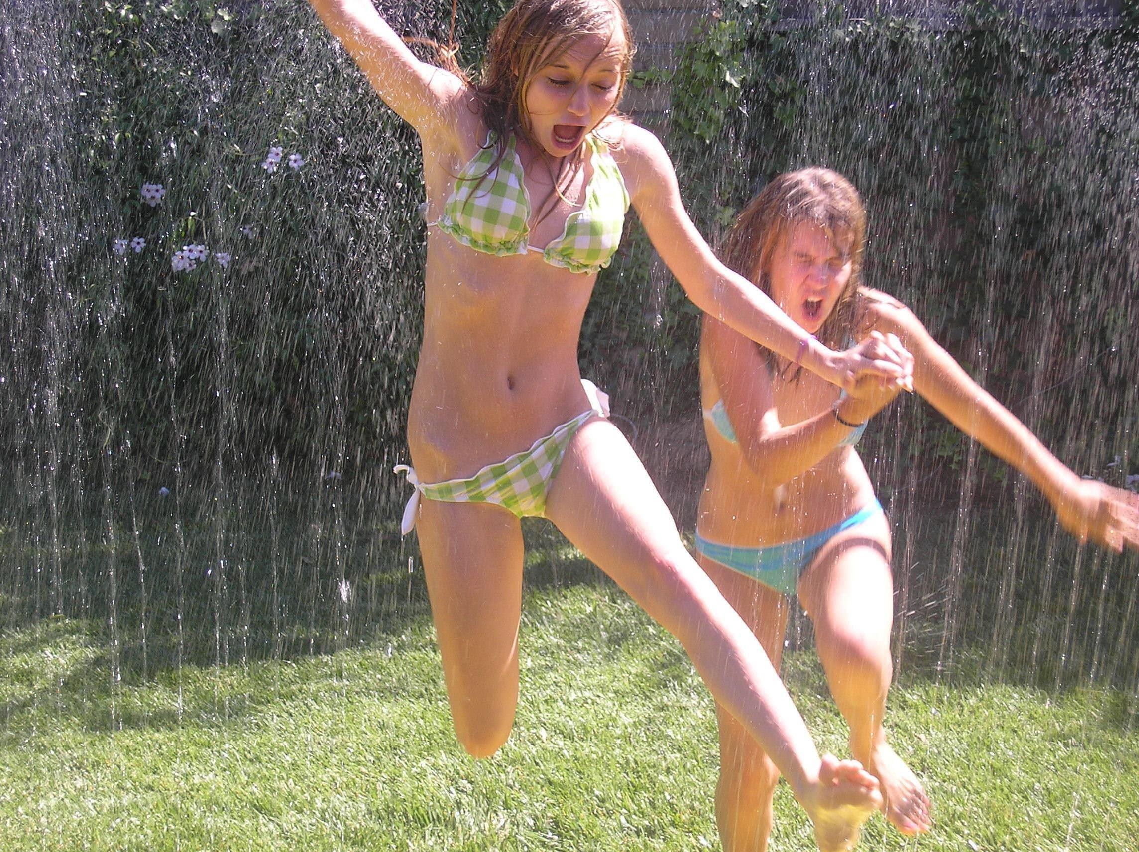【外人】海外美少女たちのセクシービキニのポルノ画像 5910