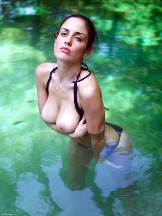 【外人】水辺がよく似合う美少女たちの露出ポルノ画像 6258