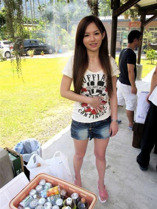 【外人】台湾美少女がカーセックスのハメ撮りネット公開してるポルノ画像 6268