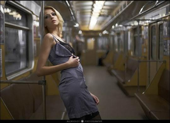 【外人】モスクワの地下鉄で無許可のヌード撮影したロシア人の超絶美少女ポルノ画像 643