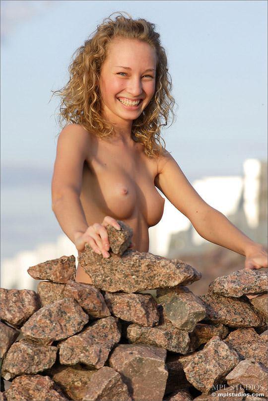 【外人】おまんこに毛を生やしてるロシアの妖精マーシャ(Masha)のポルノ画像 648