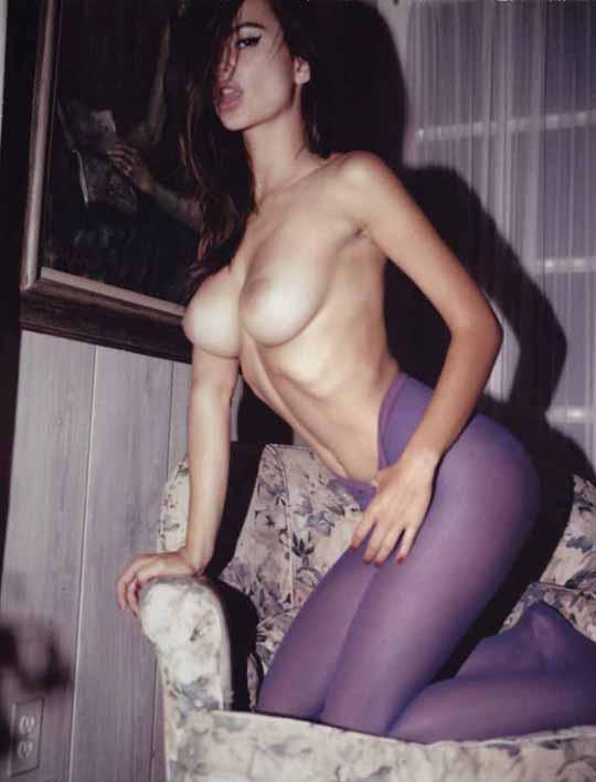 【外人】英国モデルのエミリー・ラタコウスキー(Emily Ratajkowski)の大胆なおっぱいフルヌードポルノ画像 651