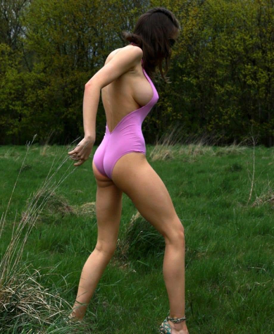 【外人】感動的な究極の巨乳おっぱいを持つエミリー・ショウヌード(Emily Shaw)のヌードポルノ画像 661