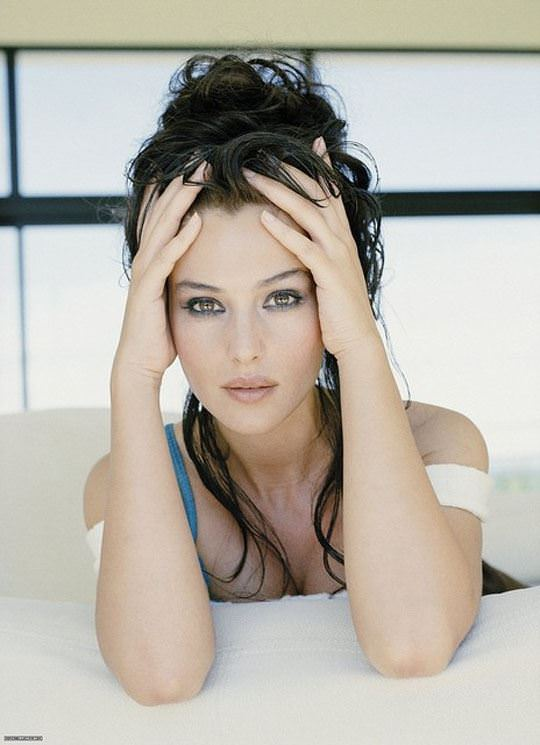 【外人】イタリア人女優モニカ・ベルッチ(Monica Bellucci)の大胆おっぱい露出ポルノ画像 690