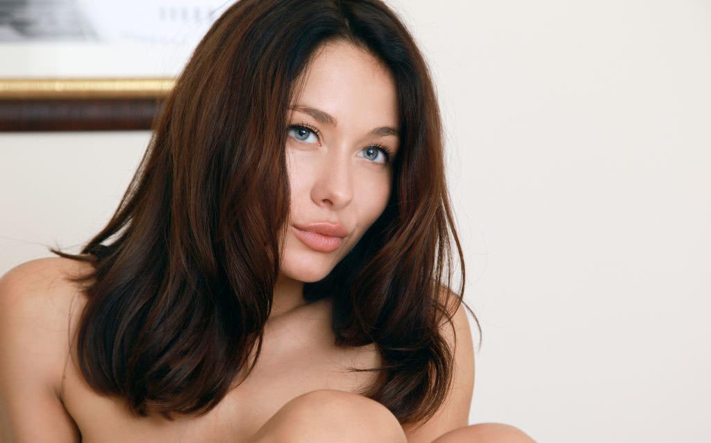 【外人】とてつもなく美人な緑の瞳をした巨乳ウクライナ人ミラ(Mila M)のおまんこ全開ポルノ画像 7120