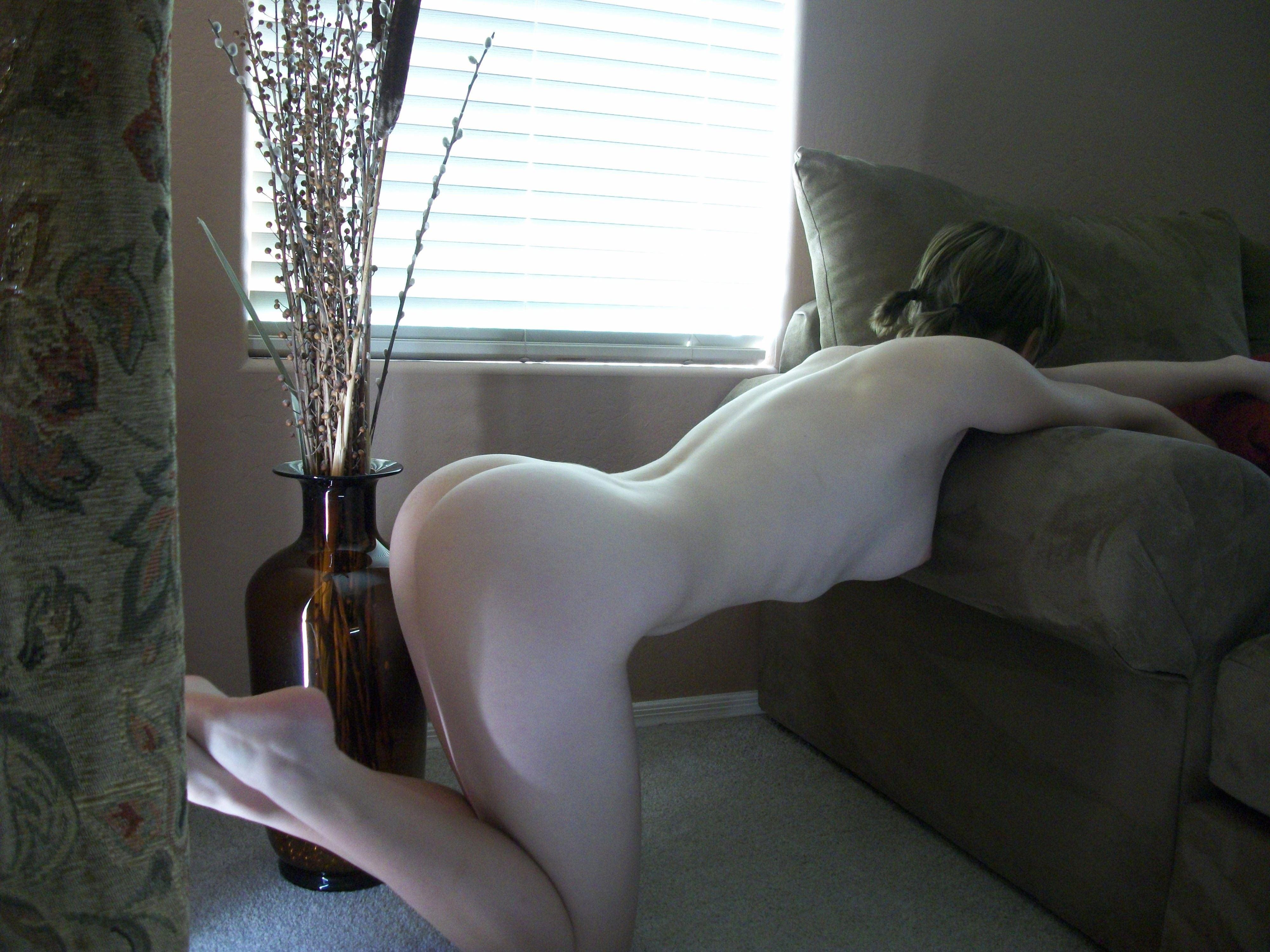 【外人】親に隠れて自宅でこっそりフルヌード自画撮りしてるポルノ画像 7187