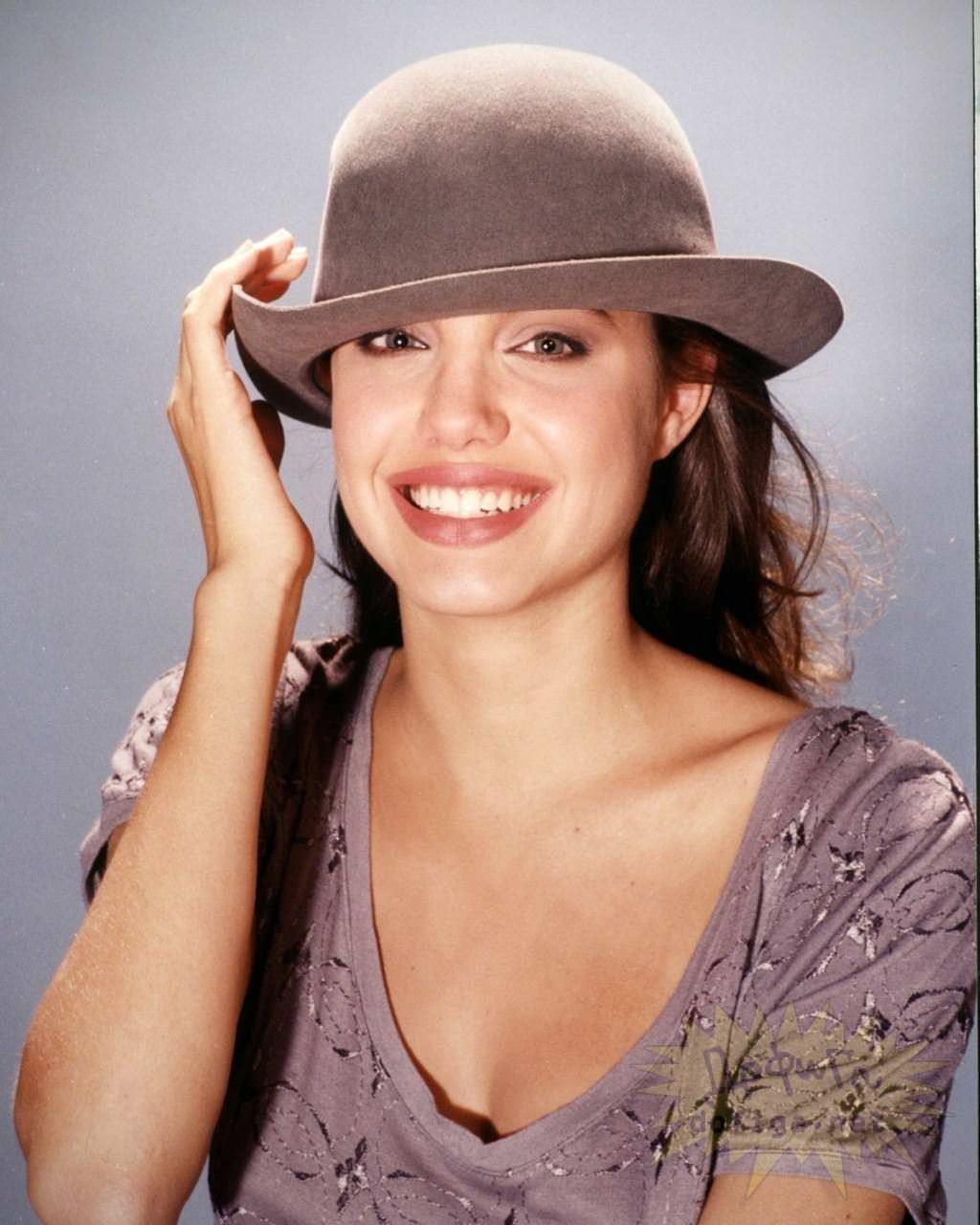 【外人】世界トップレベルの美女アンジェリーナ·ジョリー(Angelina Jolie)のポルノ画像 7192