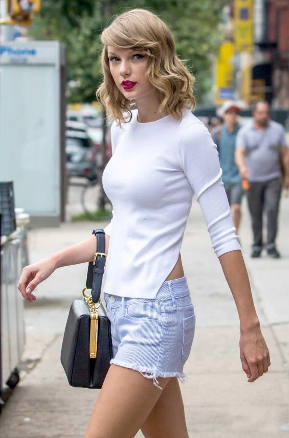 【外人】テイラー·スウィフト(Taylor Swift)のおっぱい丸出し流出の自画撮りポルノ画像 7211