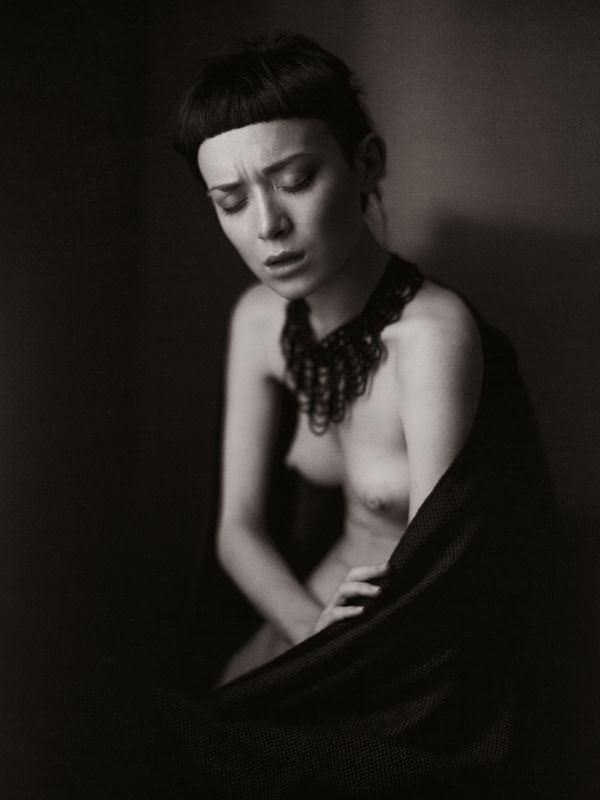 【外人】女の感情を表現しているアート系ヌードポルノ画像 7243