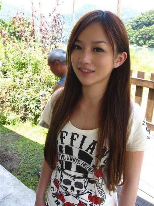 【外人】台湾美少女がカーセックスのハメ撮りネット公開してるポルノ画像 7259
