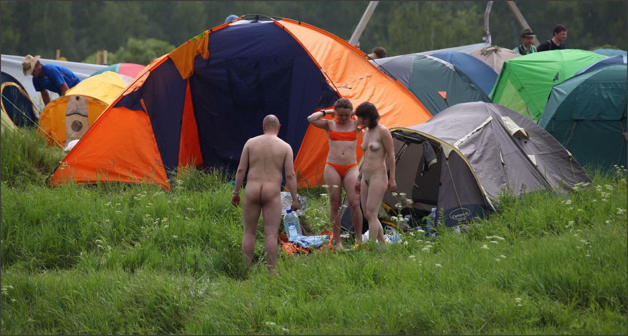 【外人】ヌーディストフェスティバルに参加中の素人美女を隠し撮りしまくった露出ポルノ画像 7268