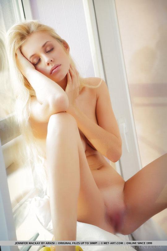 【外人】おっぱいで圧死されたいウクライナ巨乳美女・ジェニファー·マッケイのヌードポルノ画像 75