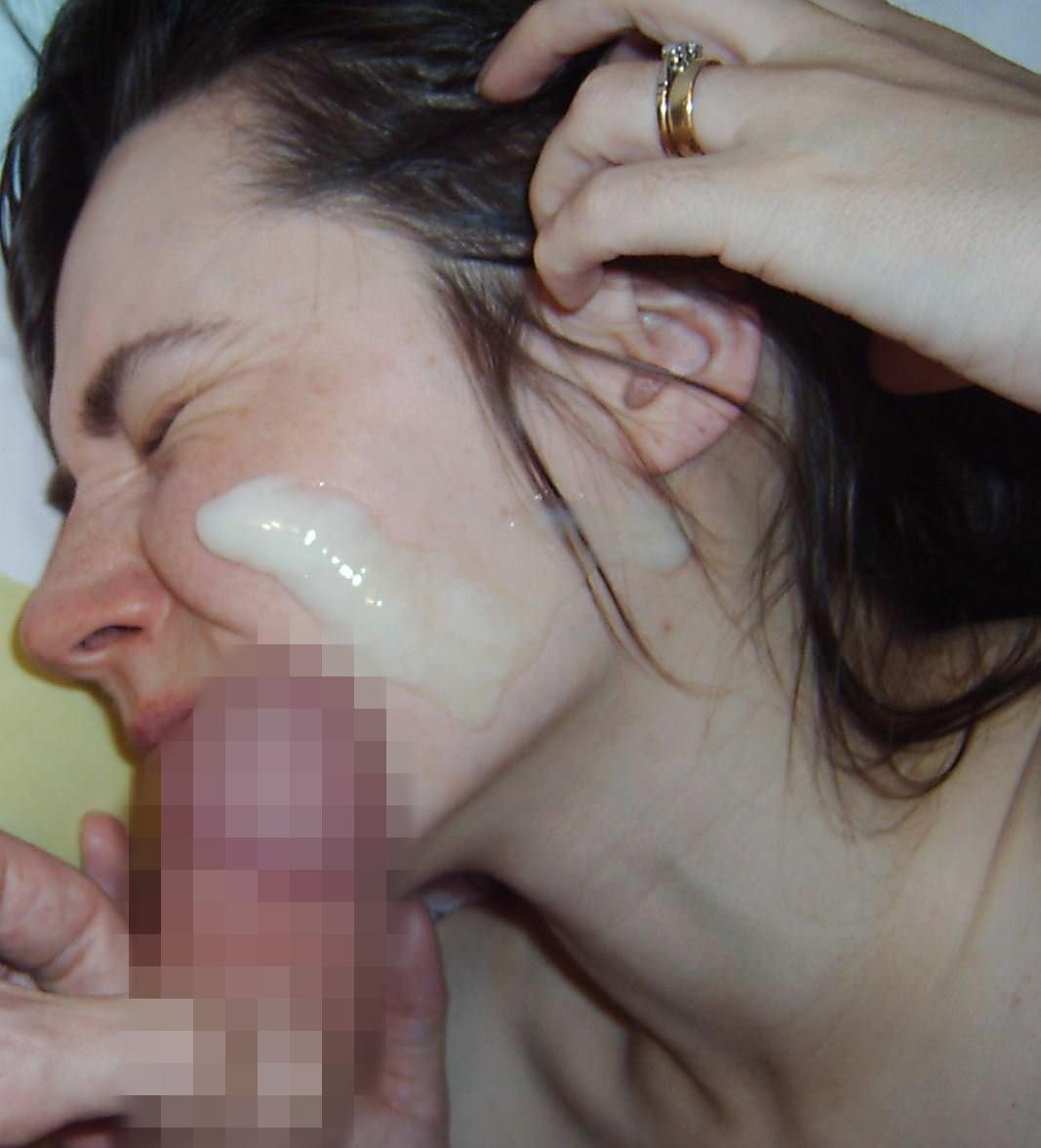 【外人】たっぷり白濁ザーメンをぶっかけられる素人の顔射ポルノ画像 787