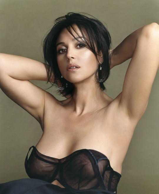 【外人】イタリア人女優モニカ・ベルッチ(Monica Bellucci)の大胆おっぱい露出ポルノ画像 789