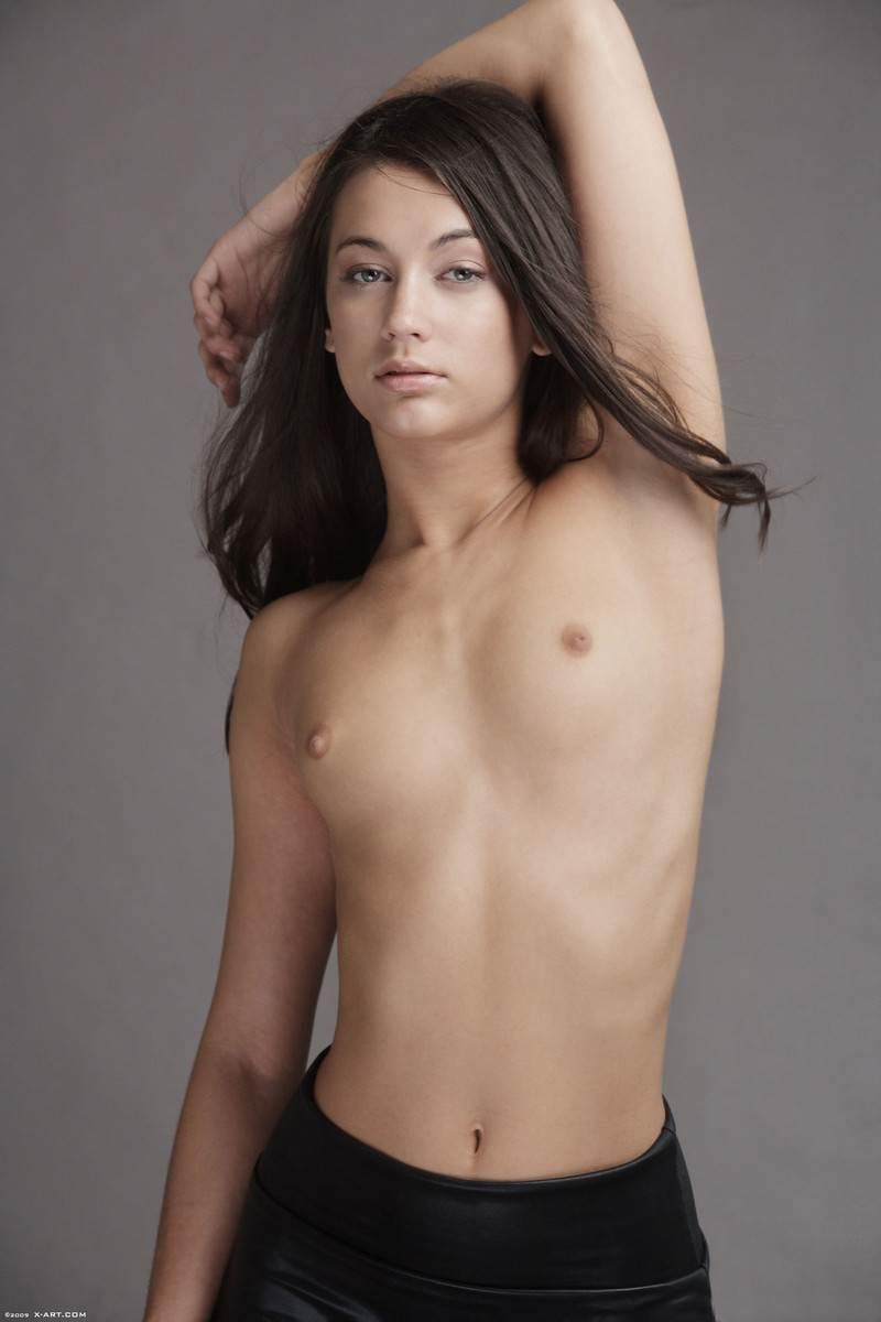 【外人】貧乳おっぱいだけど美しいお尻のジョージア(Georgia)のレズセックスポルノ画像 8116