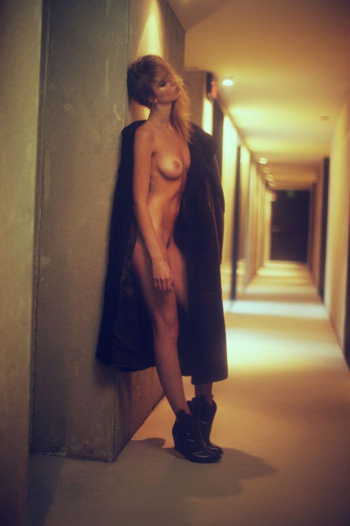 【外人】ベルギーの超人気モデルEliza Sysがセクシーなヌードを披露するポルノ画像 812