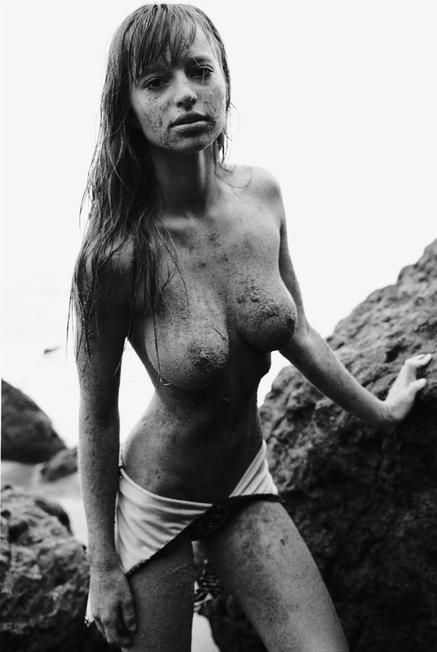 【外人】お人形さんみたいなチェコモデル!テレザ・カサロヴァ(Tereza Kacerova)の野外露出ポルノ画像 8146